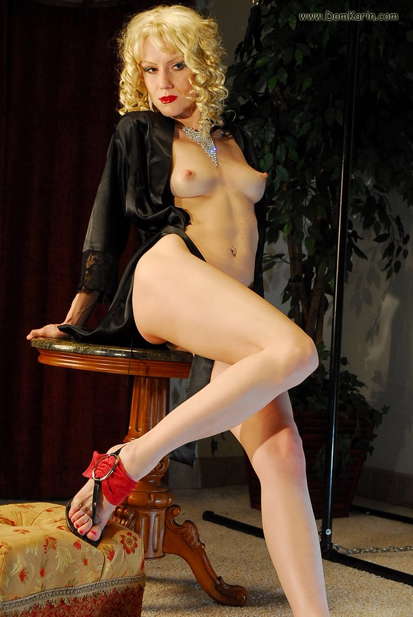 Strapon hotel with mistress nicci denver - 1 part 2