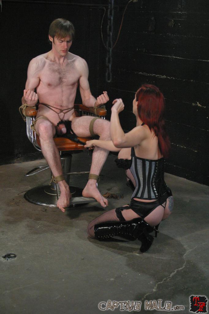 anna faris naked and masterbateing