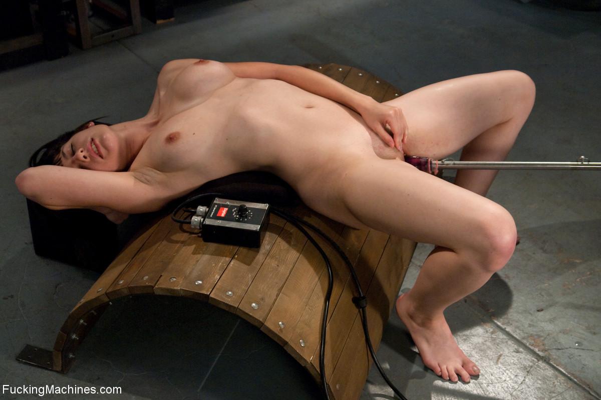 Fucking Machines Extreme Toys & Sex Machine Porn