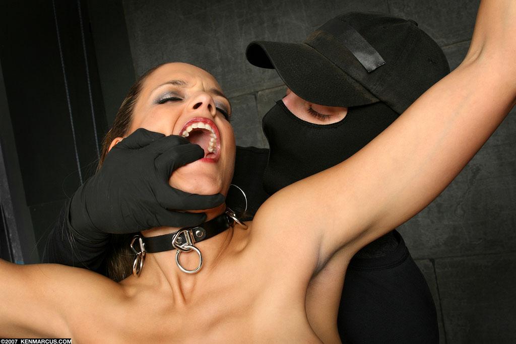 bdsm наручники фото