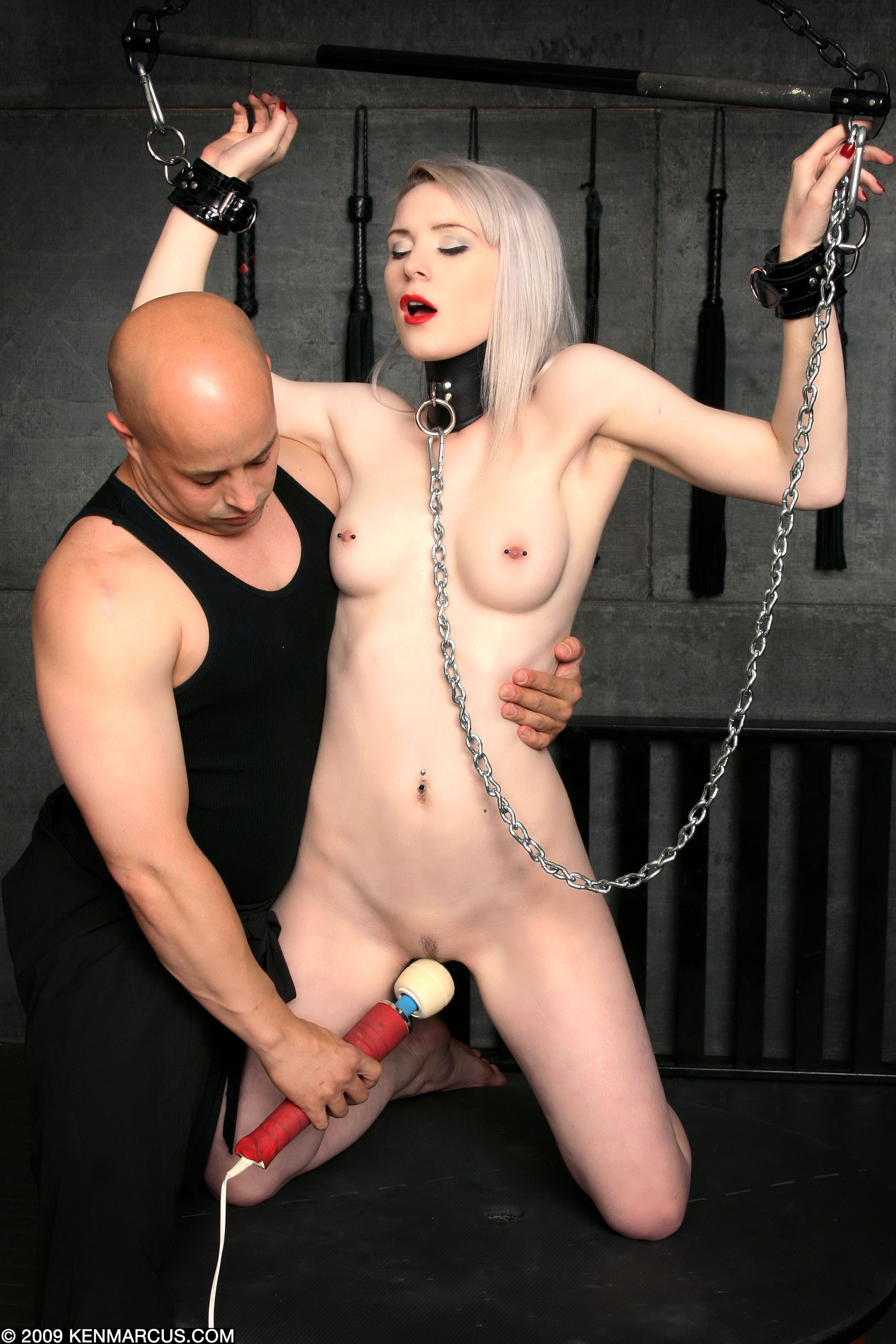 Messy domina shared fucking machines