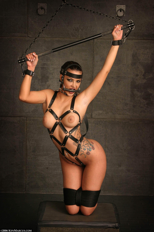Порно рабыня в цепях
