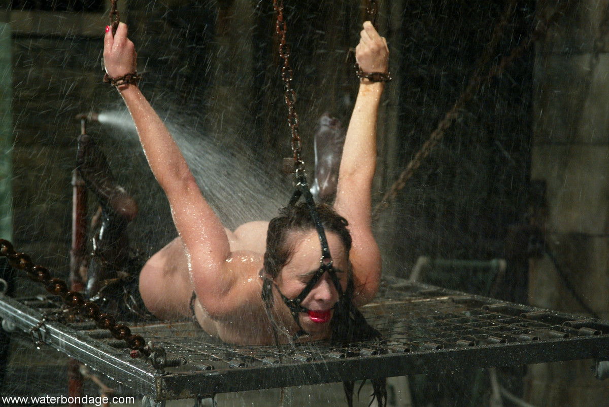 Opinion you Bdsm women underwater tortured agree