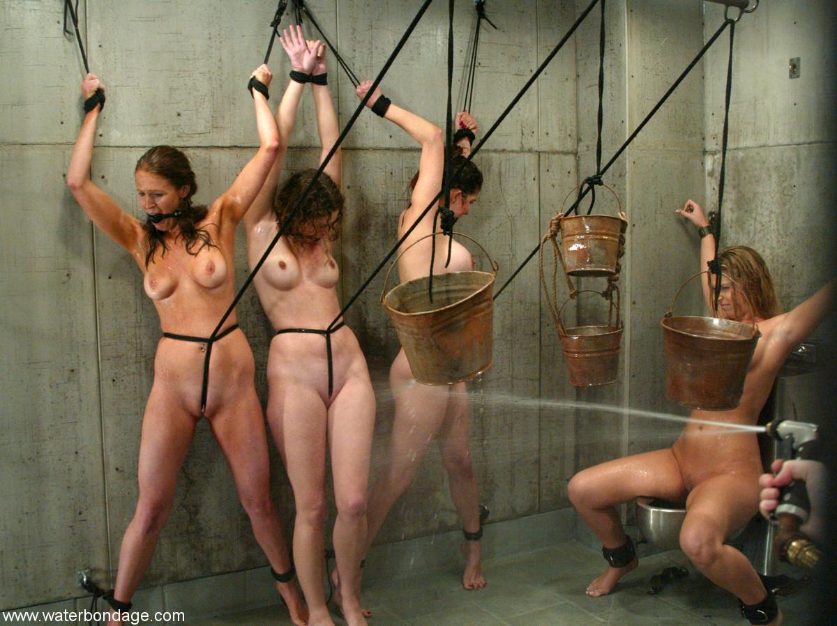 Порно пытки женщин в тюрьме